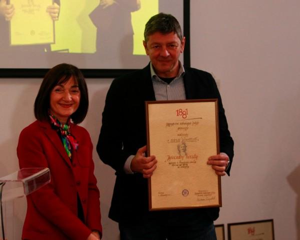 Ljiljana Smajlović sa dobitnikom nagrade